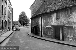 Calne, The Old Alms Houses (1682) c.1955
