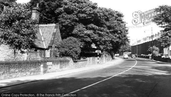 Calverley, Carr Road c1960