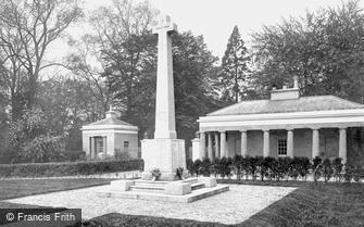 Camberley, War Memorial 1923