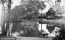 The Pond, Ruskin Park c.1955, Camberwell