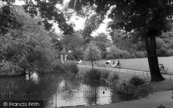Camberwell, The Pond, Ruskin Park c.1960