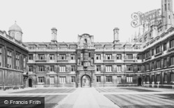 Cambridge, Clare College Court c.1873