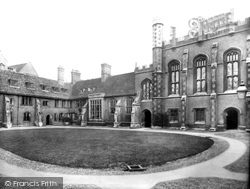 Cambridge, Corpus Christi College 1929