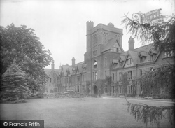Cambridge, Girton College 1929