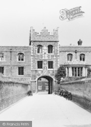 Cambridge, Jesus College, The Chimney c.1960