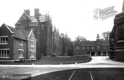 Cambridge, Leys School 1923