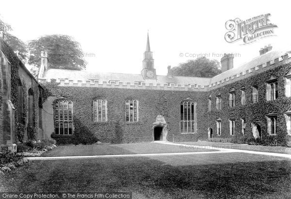 Photo of Cambridge, Magdalene College First Court 1909