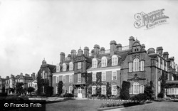 Cambridge, Newnham College 1908