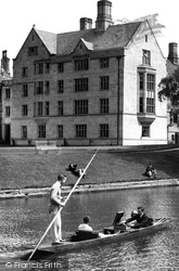 Cambridge, Punting By King's College, Kennedy's Buildings 1929