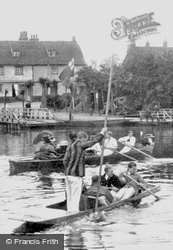 Punting On The River Cam 1909, Cambridge