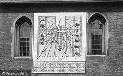 Cambridge, Queens' College Sundial 1911