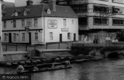 Cambridge, River Cam And The Mill Inn c.1965