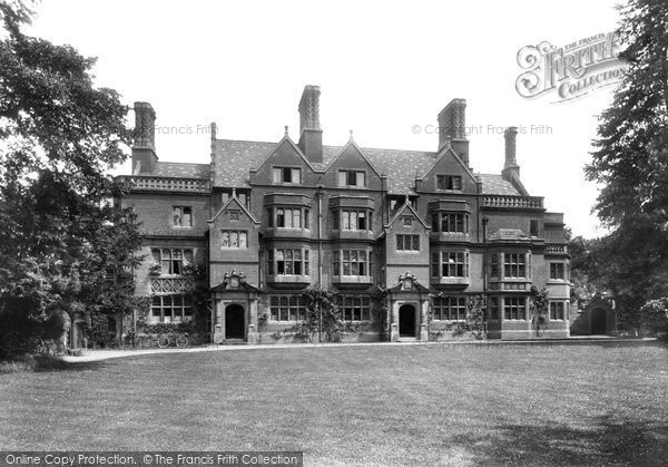 Photo of Cambridge, Trinity Hall Lathams Buildings 1909, ref. 61476