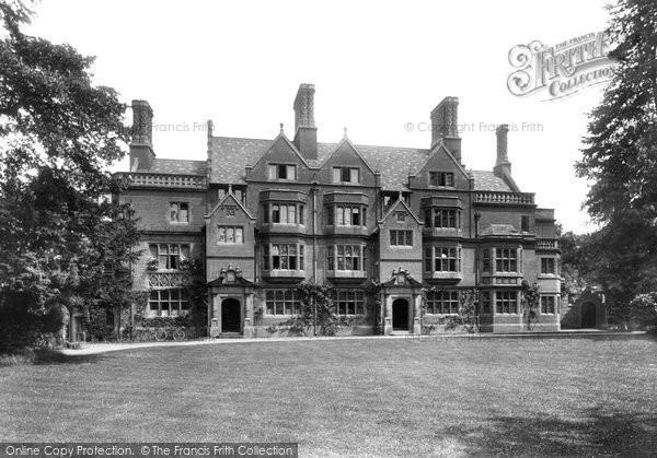 Cambridge, Trinity Hall, Lathams Buildings 1909