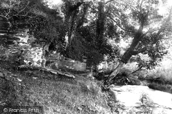 King Arthur's Grave 1906, Camelford