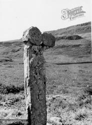 Canna, Sculptured Cross, A'chill 1957