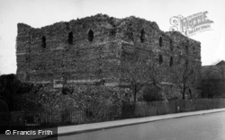 Canterbury, Castle 1954