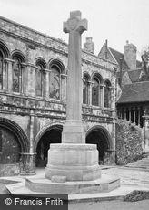 Canterbury, Kings School War Memorial 1924