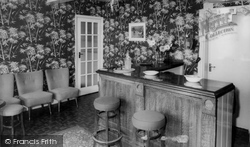 Lounge Bar, Red House Hotel c.1965, Cantley