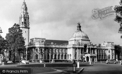 Cardiff, City Hall And National Museum Of Wales c.1960
