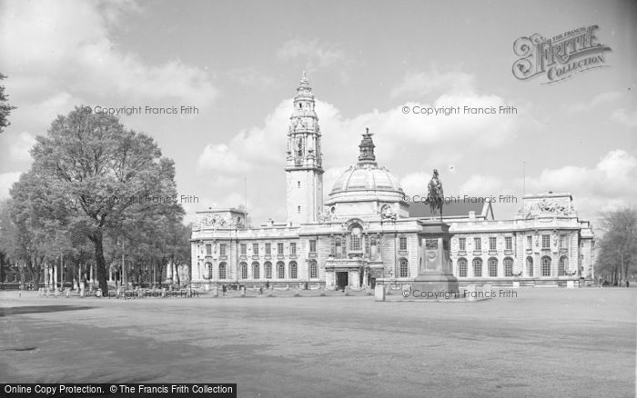 Photo of Cardiff, City Hall c.1955