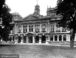 Cardiff, University College 1925