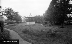 Cardigan, The Gardens 1949
