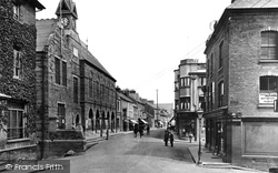 Cardigan, Town Hall And High Street 1931