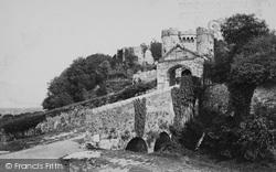 Carisbrooke, Castle Gateway c.1883