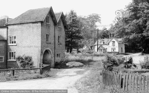 Carlton in Lindrick,the Mill House c1965,Nottinghamshire