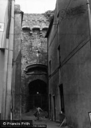 Castle Gateway 1953, Carmarthen