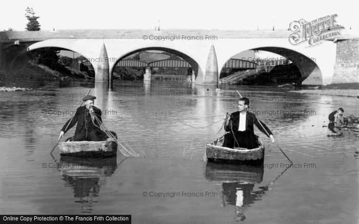 Carmarthen, Coracle Fishing on the Towy c1950