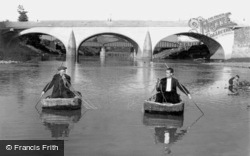Carmarthen, Coracle Fishing On The Towy c.1950