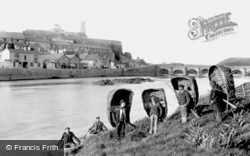Carmarthen, Coracles 1898