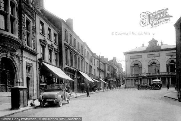 Carmarthen, Guildhall Square 1925