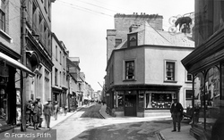 Carmarthen, King Street 1925