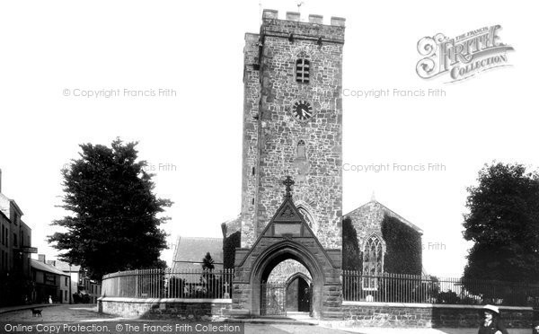 Photo of Carmarthen, St Peter's Church 1910