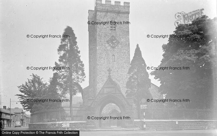 Photo of Carmarthen, St Peter's Church 1949