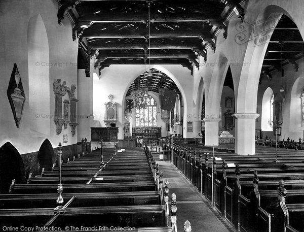 Photo of Carmarthen, St Peter's Church Interior 1925