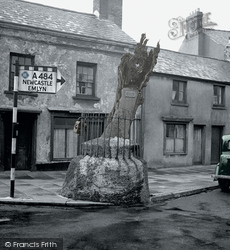 Carmarthen, The Old Oak 1949