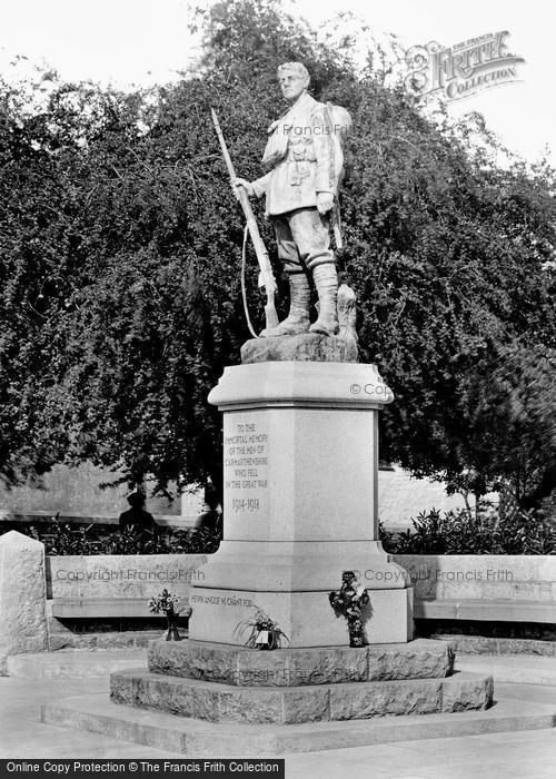Photo of Carmarthen, War Memorial 1925