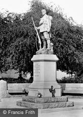 Carmarthen, War Memorial 1925