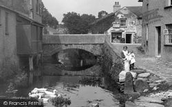 Cartmel, Ducks On The Beck 1914