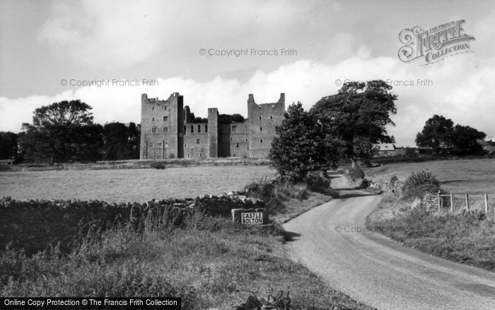 Photo of Castle Bolton, Bolton Castle c.1960