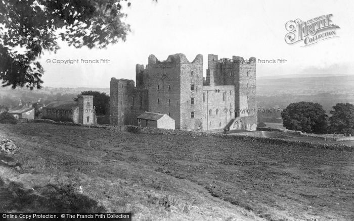 Photo of Castle Bolton, Bolton Castle, West 1911