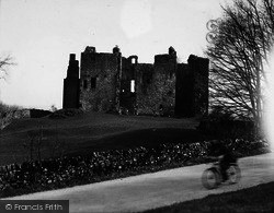 Castle Bolton, The Castle c.1932