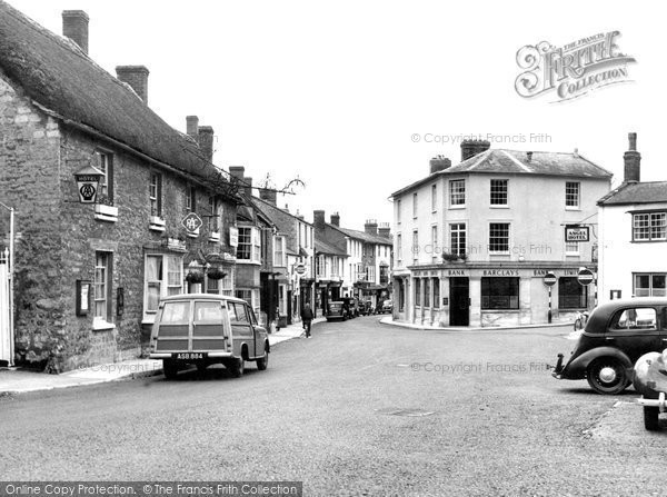 Photo of Castle Cary, George Hotel c.1955
