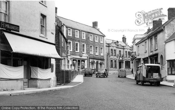 Photo of Castle Cary, High Street c.1955