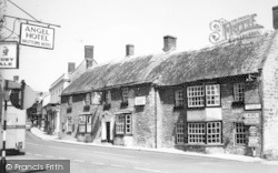 Castle Cary, The George Hotel c.1960