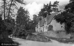 1907, Castle Combe